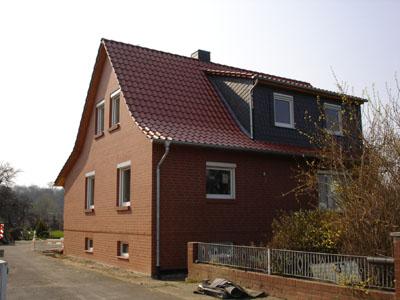 Haus nach den Verblendarbeiten